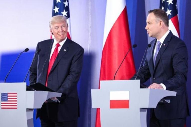 کارشناس لهستانی: پیروی از آمریکا به رابطه ما با ایران لطمه می زند