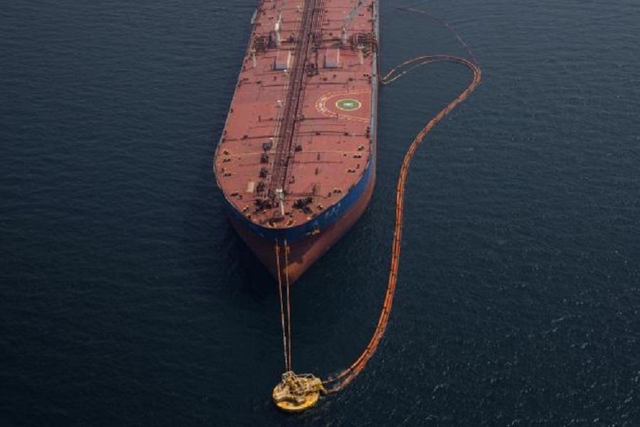 بلومبرگ: چین در حال خرید نفت بیشتر از آمریکا است