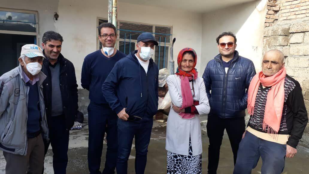 خبرنگاران اسکان خانواده بی سرپناه نقده ای با تلاش خبرنگاران خیّر