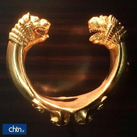 دستنبد زرین دژ باستانی زیویه به عنوان نماد شهری استفاده می گردد