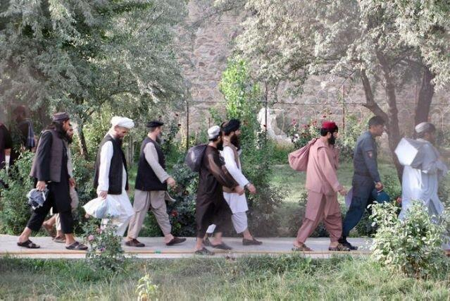 فرانسه با آزادی بعضی زندانیان طالبان مخالفت کرد