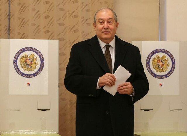 رئیس جمهوری ارمنستان پرونده قره باغ را به بروکسل می برد