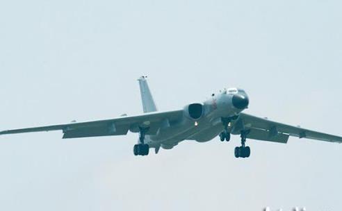چین بمب افکن راهبردی جدیدش را رونمایی کرد
