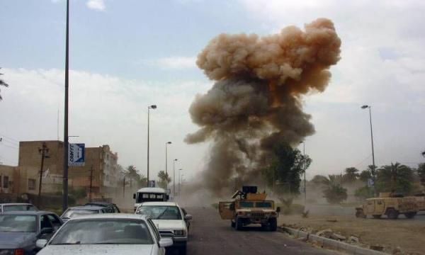 خبرنگاران انفجار بمب در راستا کاروان لجستیک ائتلاف بین المللی در عراق