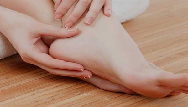 همه چیز درباره درمان ترک کف پا