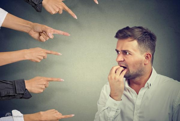چطور ظرف چند ثانیه بر اضطراب اجتماعی غلبه کنیم