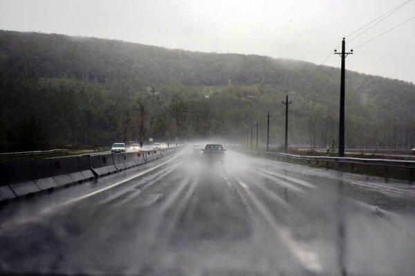 خبرنگاران جاده های خراسان رضوی بارانی است